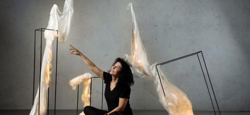 פסלת האור – תערוכת יחיד של  עליזה שינזון